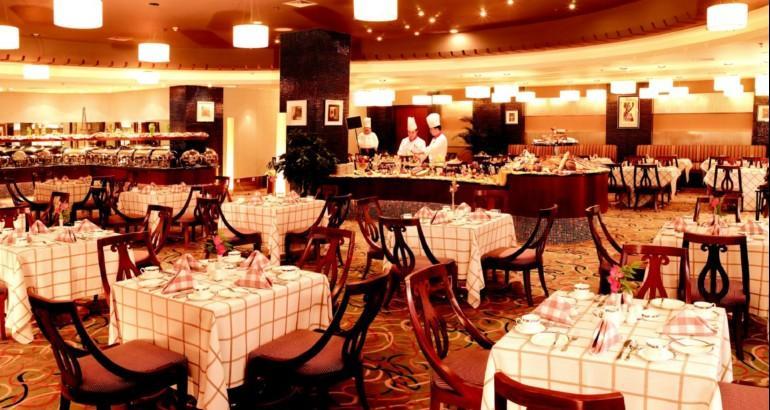 酒店位于沈阳市大东区,毗邻. baike.baidu.com/view/2673506.