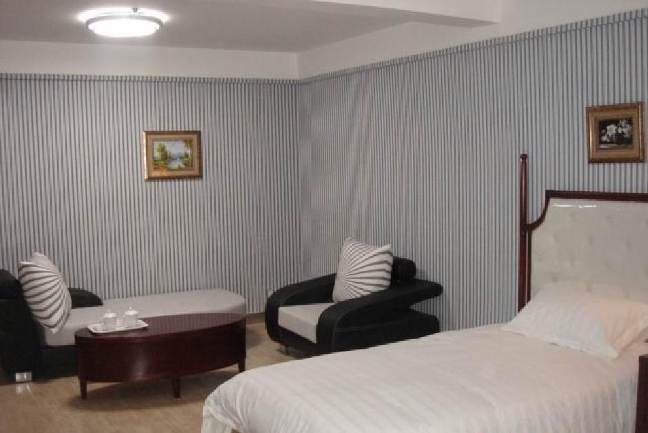 400-820-6666(手机) 简介:乌鲁木齐富商大酒店位于乌鲁木齐钱塘江路上
