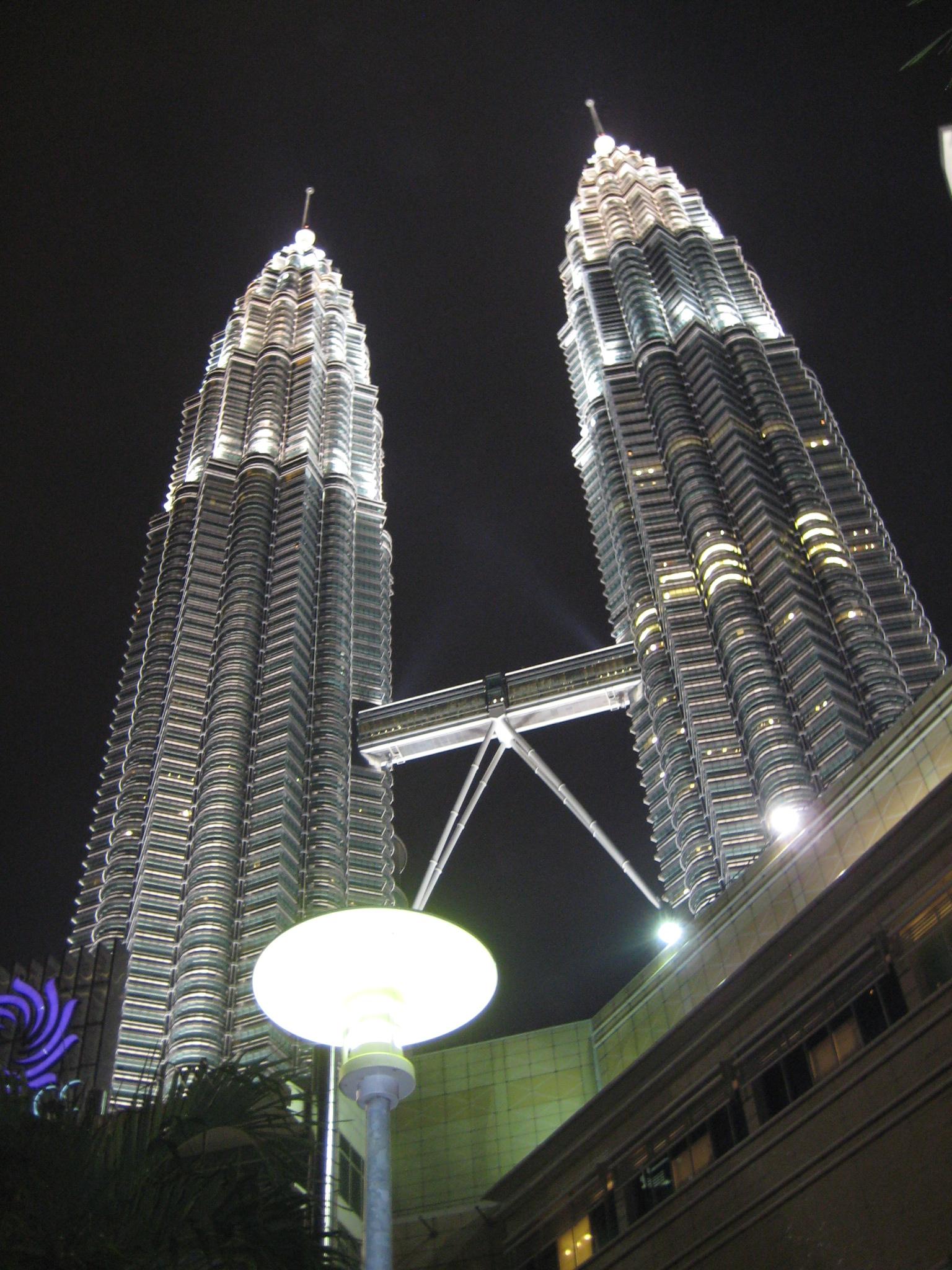 吉隆坡地标性建筑——双子塔